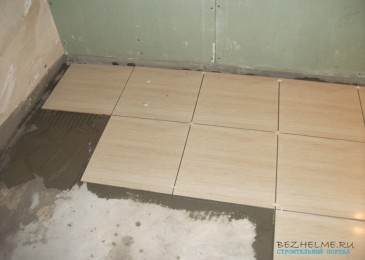 Ремонт в новостройке. Закупаем стройматериалы на пол в ванной комнате. Керамогранит, клей, затирка и другое.