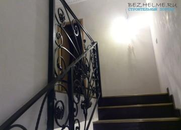 Лестница на 2 этаж — фото наших кованых перил. Красота, да и только